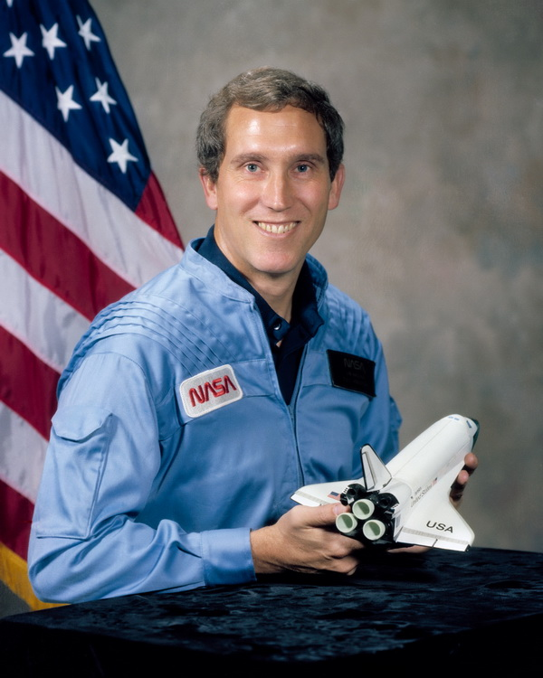 Michael_Smith_(NASA), Challenger Pilot